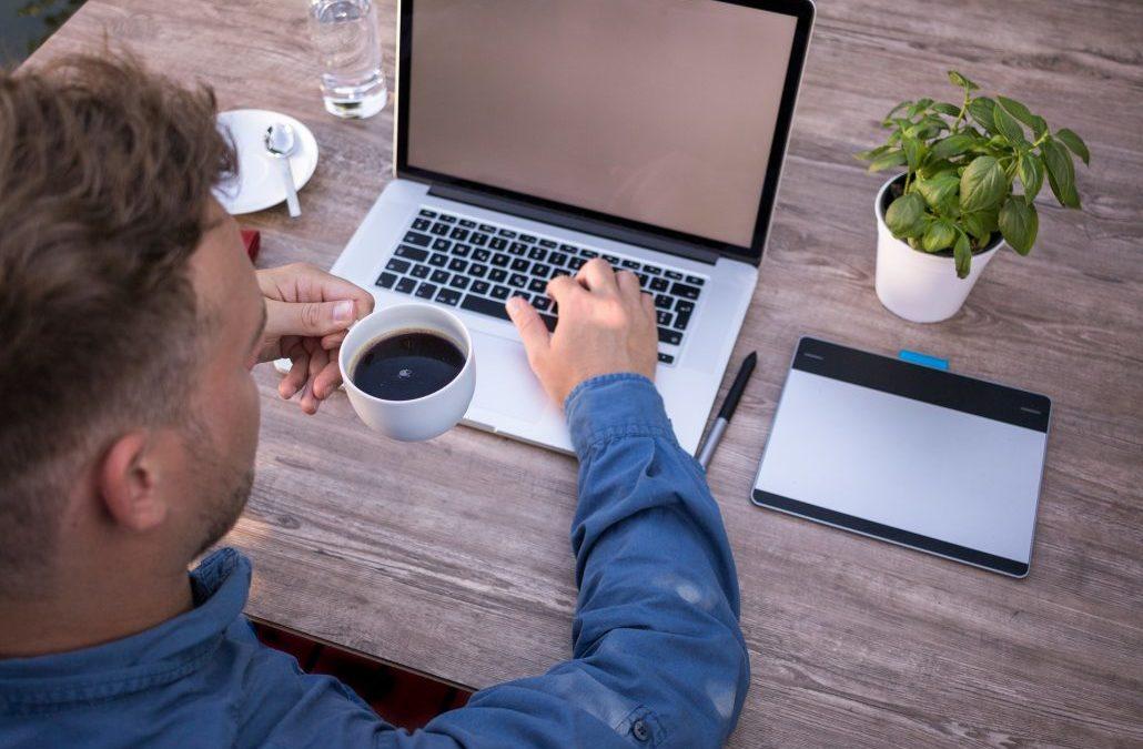 Lavorare da casa: pregi e difetti